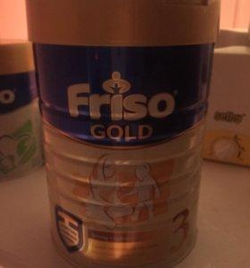 Молочная смесь Friso Gold 3