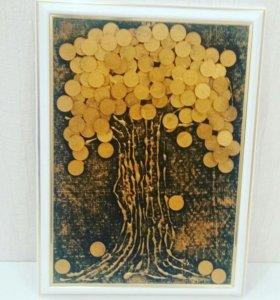 Денежное дерево из монет.