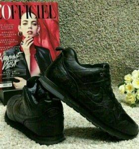 Новые зимние кроссовки 45 размер