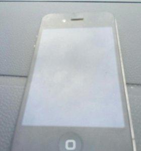 Продаю Iphone 4s 8Gb в хорошем состоянии