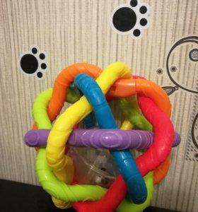 Игрушка погремушка шар Playgro