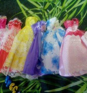 Набор платьев для Барби плюс туфельки