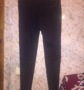 Чёрные, новые брюки