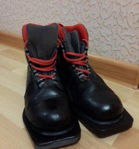 Ботинки лыжные 35размер