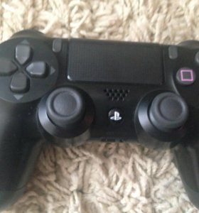 Геймпад на PS4 DualShock 4