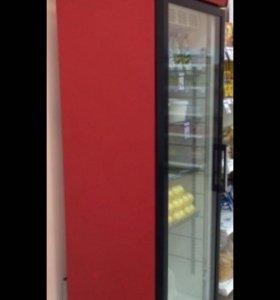 Холодильник (красный и белый)
