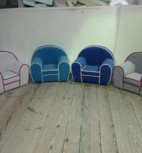 Детские кресла.