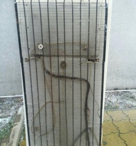 Холодильник сломанный на запчасти