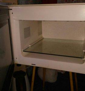 Эектрический духовой шкаф.