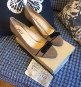 Туфли новые размер 40-41