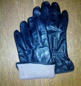 Мужские перчатки.