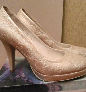 Свадебные кожаные туфли на устойчивом каблуке