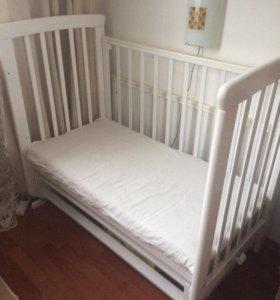 Кроватка с маятником(качается)
