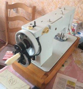 Швейная машинка чайка 143А