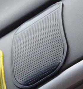 Коврик силиконовый для автомобиля.