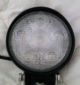 Мощная фара - прожектор. 27 W +крепление