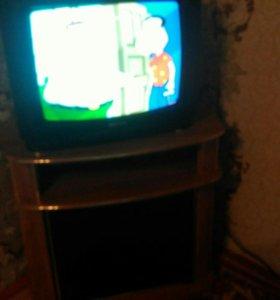 Телевизор Samsung и тумбочка