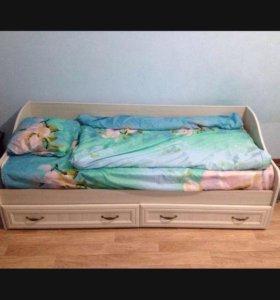 Кровать с матрасом!!!