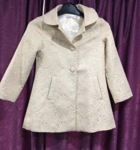 Пальто на девочку размер 116