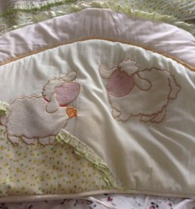 Бортики и постельное белье комплект