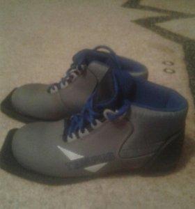 Лыжные ботинки р-р 36