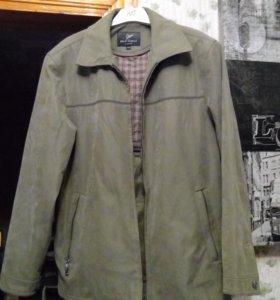 Куртка б/у в отличном состоянии