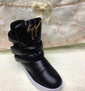 Новые ботинки. Зима.