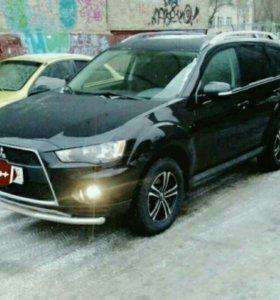 Автомобиль с водителем. Mitsubishi Outlander XL