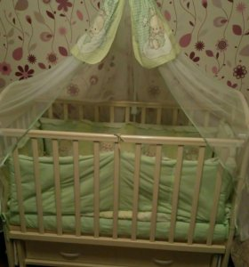Новая кроватка с матрасом