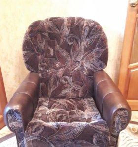 Комплект мягкой мебели.