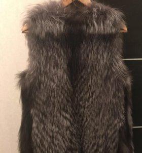 Меховая жилетка из чернобурки
