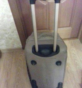 Сумка-чемодан Redmond