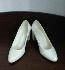 Кожаные свадебные туфли 38 размер