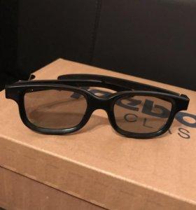 3D - очки. Покупала в кинотеатре.