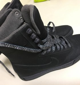 Женские ботинки Nike 40 р-р