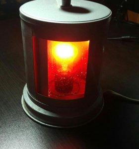 Светильник с оттенками желтого и красного света