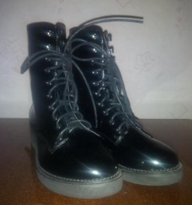 Ботинки черные лакированные