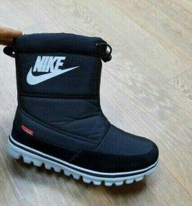Дутики Nike размеры 35, 36, 37, 38, 39, 4/