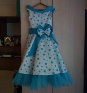 нарядное платье на 10- 11 лет