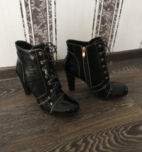 Ботинки новые р39