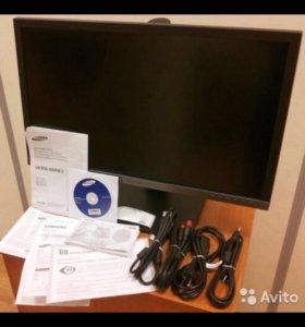 Samsung UHD Professional UE850 54 см новый