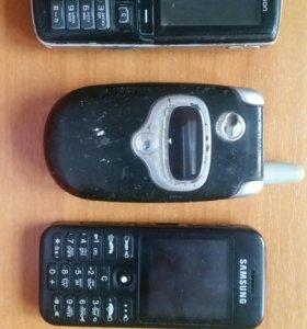 Три телефона за 300