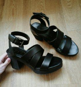 Туфли Bershka босоножки