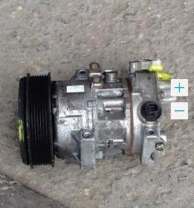 Компрессор кондиционера на Avensis 2