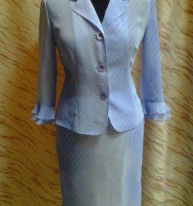 костюм женскийй