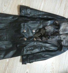 Пальто кожанное с чернобуркой