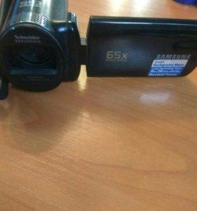 Видеокамера Samsung 65x