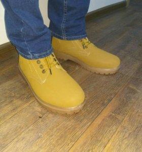 Ботинки зимние . Новые