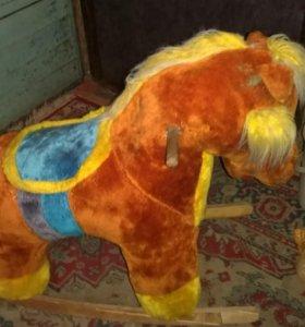 Детская лошадка-качалка 2 штуки