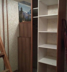 Шкаф-купе с зеркальными ставнями